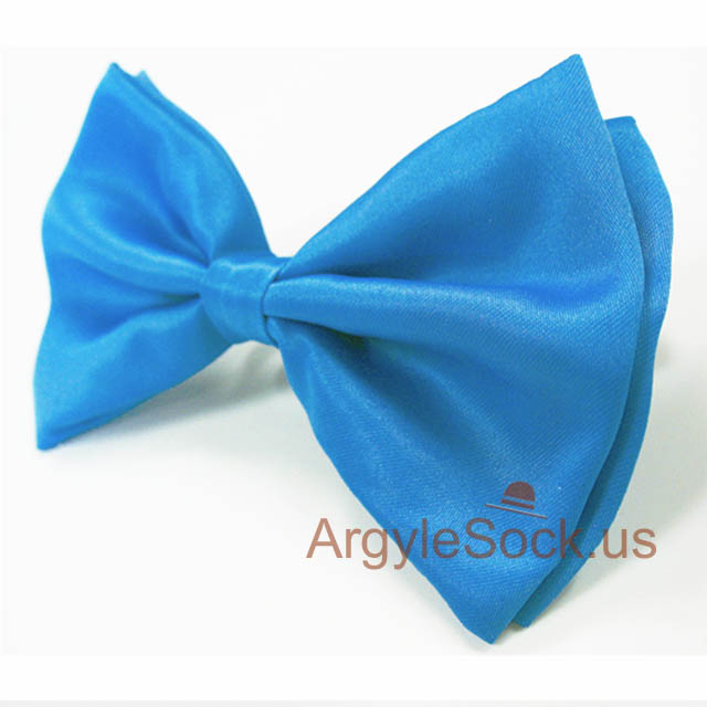 bright blue bow tie for wedding